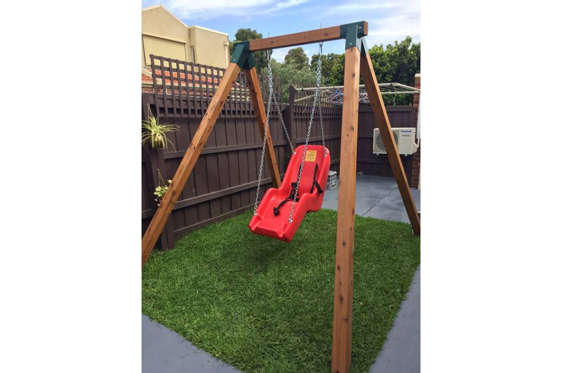 SINGLE Swing Frame Free-Standing 90 X 90 Cypress Timber